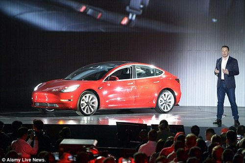 Tesla-CEO Elon Musk speaks during the delivery of the first more reasonable Tesla vehicle Model 3 in Fremont, US, 28 July 2017.