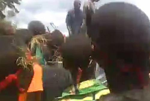 While the video was filmed on April 8, 2017, the footage recently emerged after circulating on Whatsapp