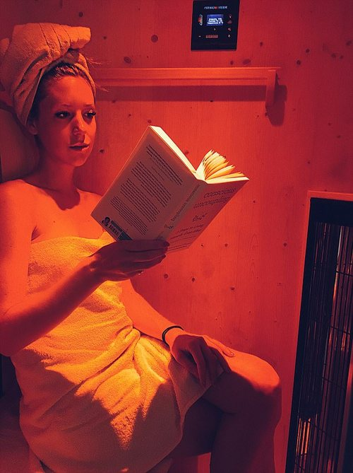 Poppy also tried an infra-red sauna which is supposed to flush out toxins in the body