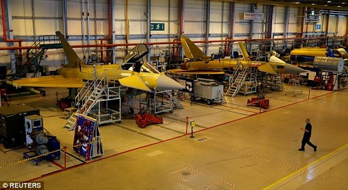 The cost-cutting will mainly affect BAE¿s plant in Warton, Lancashire, where it assembles the warplanes