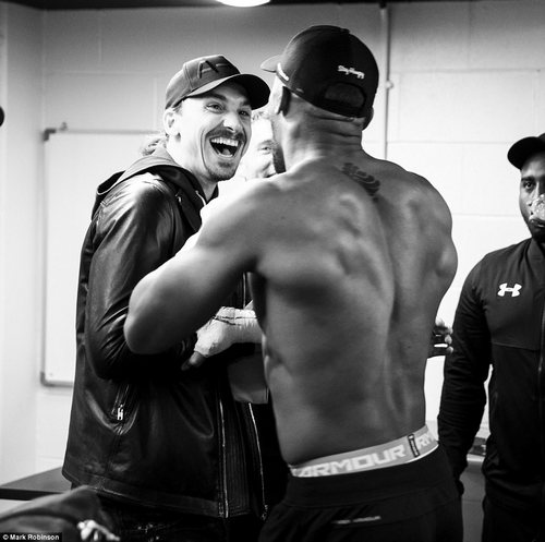 The pair shared light-hearted conversation backstage in the build up to the world heavyweight showdown