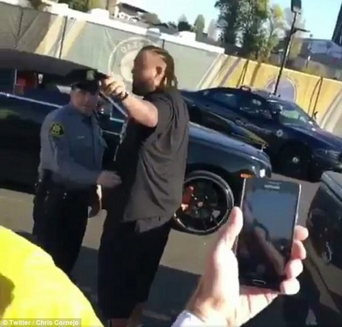 Penn ultimately turned to security and pointed out the disruptive fan before driving off