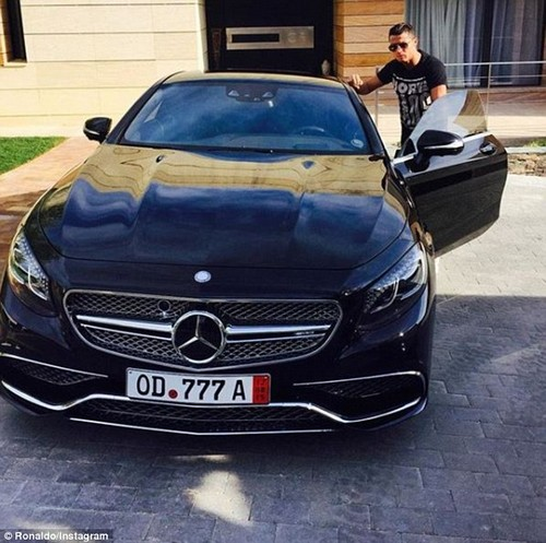 On his Instagram, Ronaldo has shared a snap alongside a MercedesS65 AMG Coupe