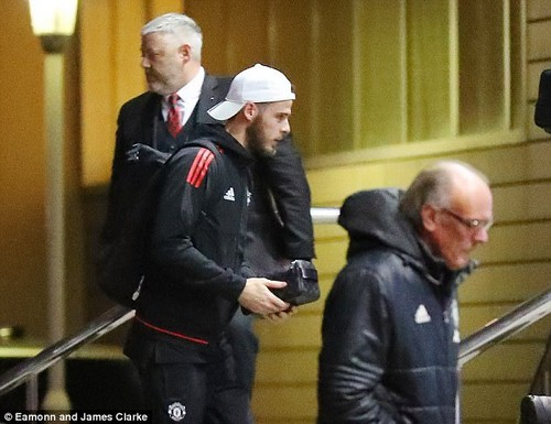 United No 1 goalkeeper David de Gea packed lightly for his overnight stay at the Lowry