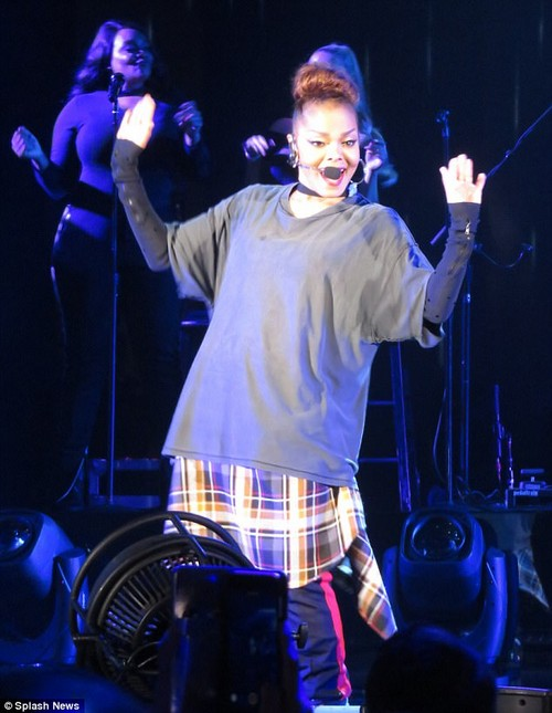 Let's do this: The singer kept fans entertained with her performance in Los Angeles on Sunday