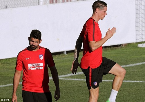 Costa was joined by striker Fernando Torres as the pair trained in the sunshine