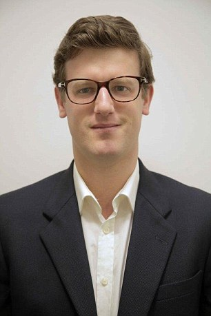 Oliver Smith of IG says UK investors should buy UK-listed ETFs where possible