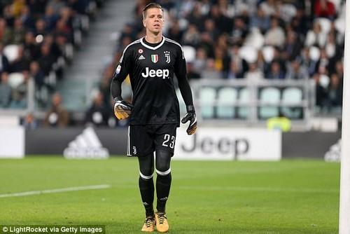Juventus goalkeeper Wojciech Szczesny has revealed he finally left Arsenal last summer