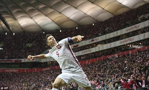 Robert Lewandowski has scored a remarkable 16 goals in qualifying for Poland