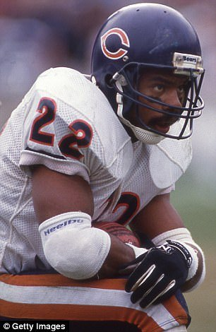 Dave Duerson committed suicide in 2011 and left a suicide note that said he wanted his brain to be examined. Tests revealed he suffered from CTE