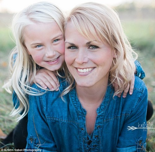 Heather Huus, 32, had her stomach removed last year due to having a high risk of getting gastric cancer which killed her mother