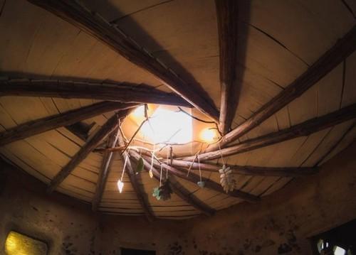 Глиняно-деревянный пол.