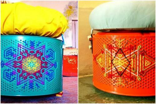 Пуфики из барабанов стиральной машины.