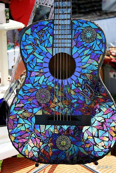 Декор гитары.
