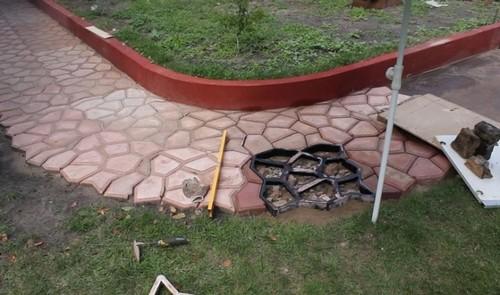 Идеальный вариант для тех, кто хочет сосредоточить внимание гостей на ландшафтном дизайне садового участка.
