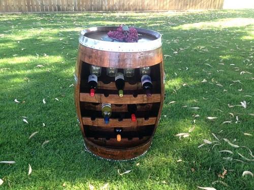 Для того, чтобы хранить вино как профессиональные виноделы, вовсе необязательно ими быть.