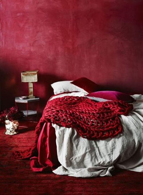 Красный - цвет страсти.