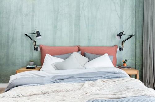 Современная спальня – чаще всего обособленное помещение, выдержанное в приятном стиле и цветовой гамме.