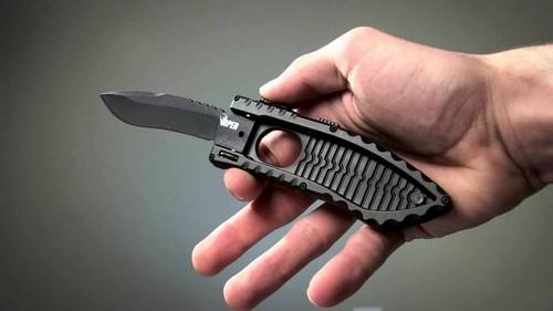 Schrade Viper Side Assist - нож с выталкивающимся лезвием.