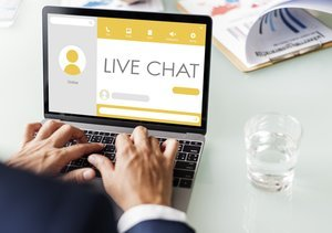 7 Benchmarks of Efficient Live Chat Service