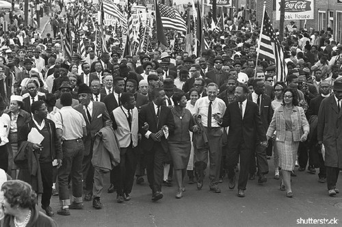 15 Breathtaking Photos from the Life of Martin Luther King Jr. - King Marching