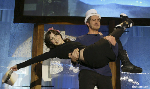 15 Priceless Photos from the Sundance Film Festival - Hosts Zooey Deschanel and Jake Gyllenhaal