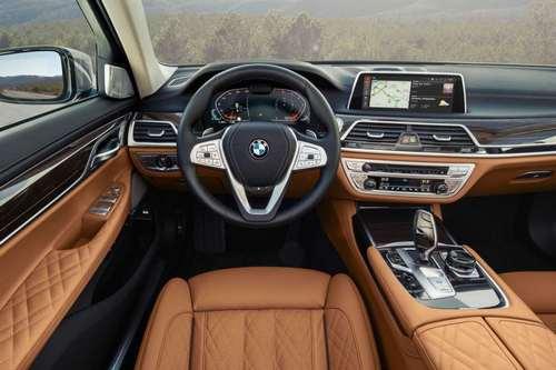 2020 BMW 7 Series (7)