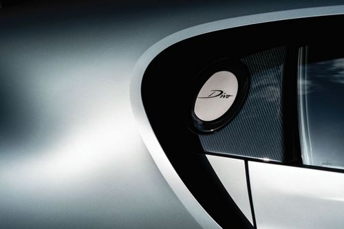 The Divo is not only bold in design, but in the materials used. Lightweight carbon fiber plays a significant role in strengthening the vehicle and reducing the car's overall weight, but the aesthetic beauty of the futuristic material is celebrated andhighlighted, rather than ignored, making the Divo a sight to see, at speed or stationary.