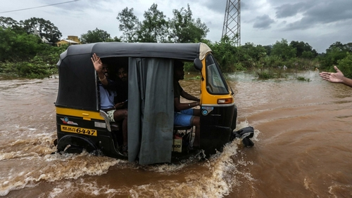 India's monsoon flooding more erratic and the season weaker