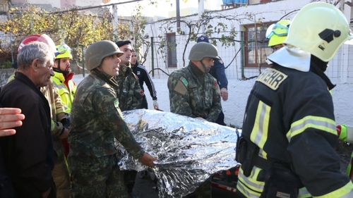 Albania earthquake death toll bien-êtres to 40