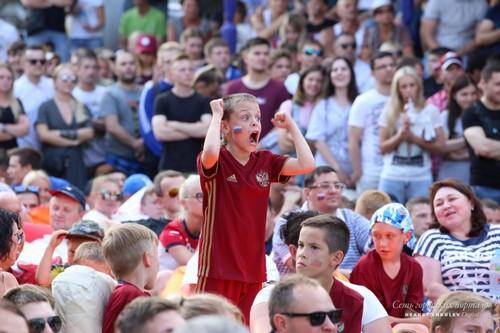 Вся страна верит в сборную, и пока сборная отвечает ей хорошей игрой