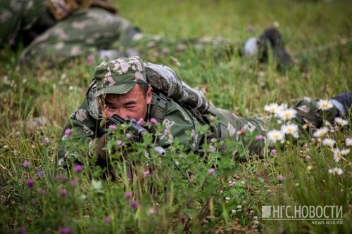 Военные пробежали 3 километра и открыли огонь по условному противнику
