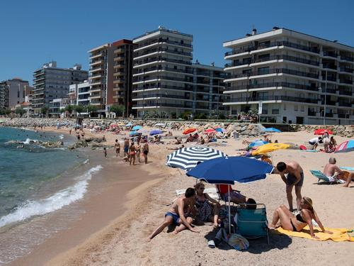 Popular Spanish beaches forced to close due to overcrowding