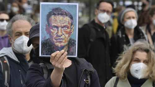 Russia Orders Navalny Group to Suspend Activities