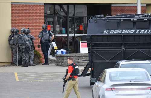Bank robbers take hostages at Wells Fargo branch in Minnesota